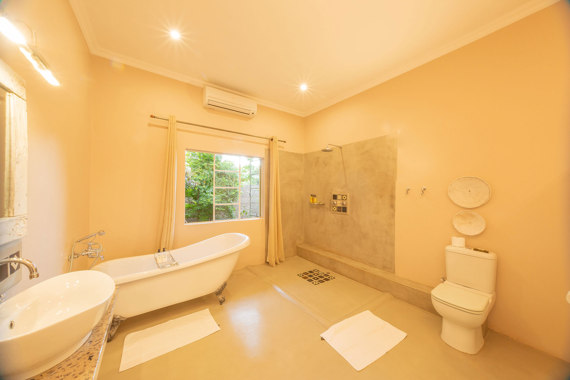 Bayete-Guest-Lodge-Bathroom